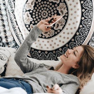 """Happy-Strappy Alltagsmomente """"Zuhause""""   Fingerhalterung jetzt online kaufen bei cw-mobile.de"""