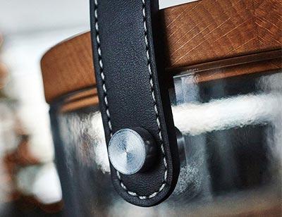 Krinner Lumix Deco Glass - Hochwertigste Materialen aus Glas mit Echtholz-Deckel Buche sowie Tragegriff aus echtem Leder
