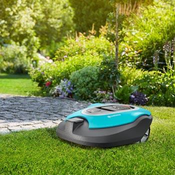 Teppichähnlicher Rasen mit den Gardena Mähroboter