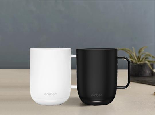 Ember Ceramic Mug in schwarz und weiß