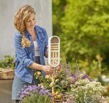 Geben Sie auch den kleinsten Gartenbewohnern ein Zuhause mit dem Gardena ClickUp! Insektenhotel