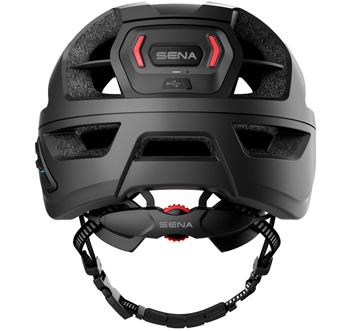 Für Sena steht der Schutz an erster Stelle! Rücklichter und perfekter Sitz mit den smarten Helmen von Sena.